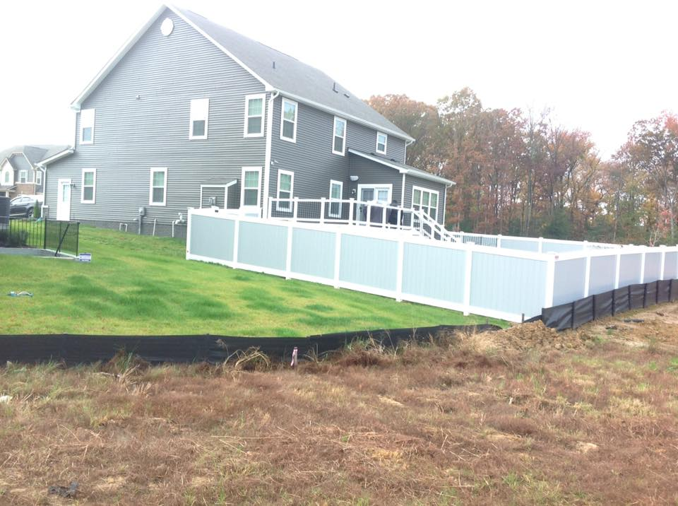 vinyl fence companies in Silver Spring
