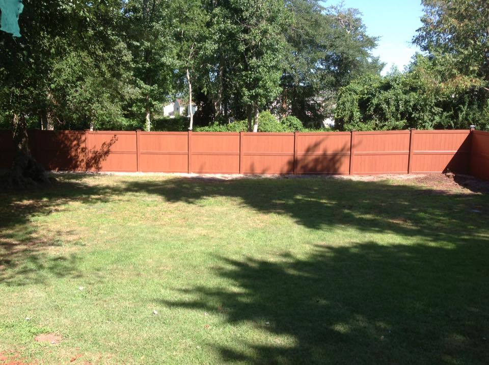 installing vinyl fences in PG County