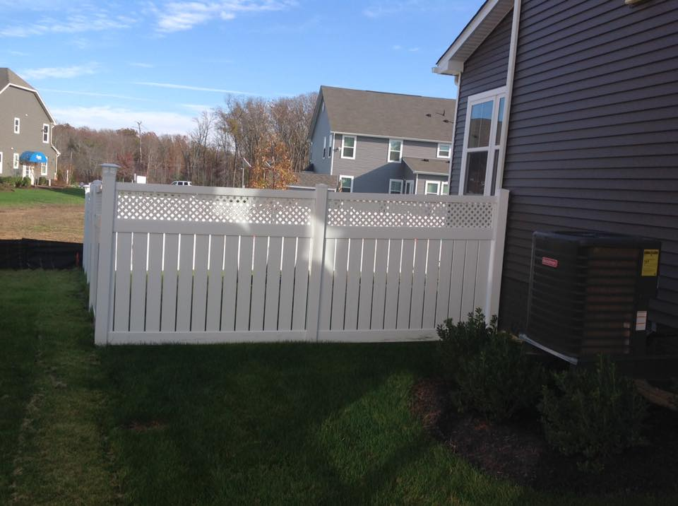 vinyl fences in Calverton